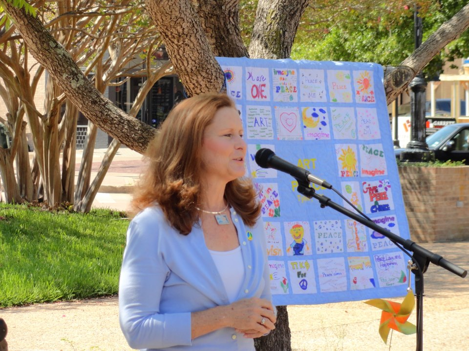 anne_speaking_at_peace_prayer_service_8-2012